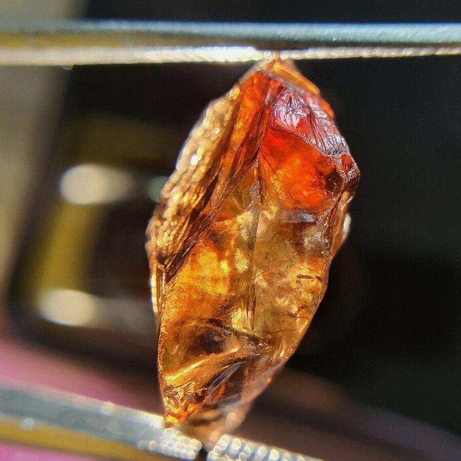 Giacints (Giacinte) Hiacints (Hiacinte) Cirkons dārgakmens tautas medicīnas akmeņi - 14,34 ct